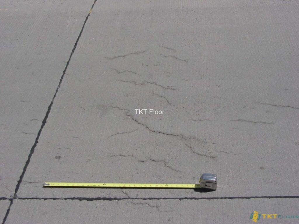 vết nứt rạn phổ biến của lớp lót nền sàn
